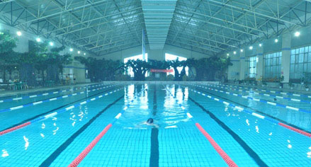 游泳馆:蟹岛游泳馆采用地下2400米温泉水